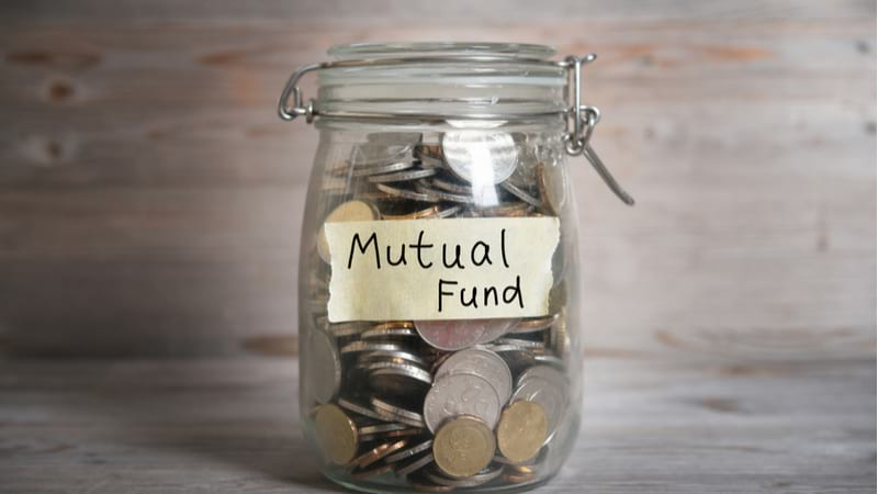 Why keep money in a savings account when you can invest in these liquid mutual funds