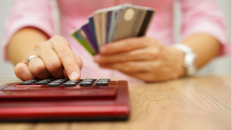 Personal loan or Credit card loan: Which one should you opt for and when?