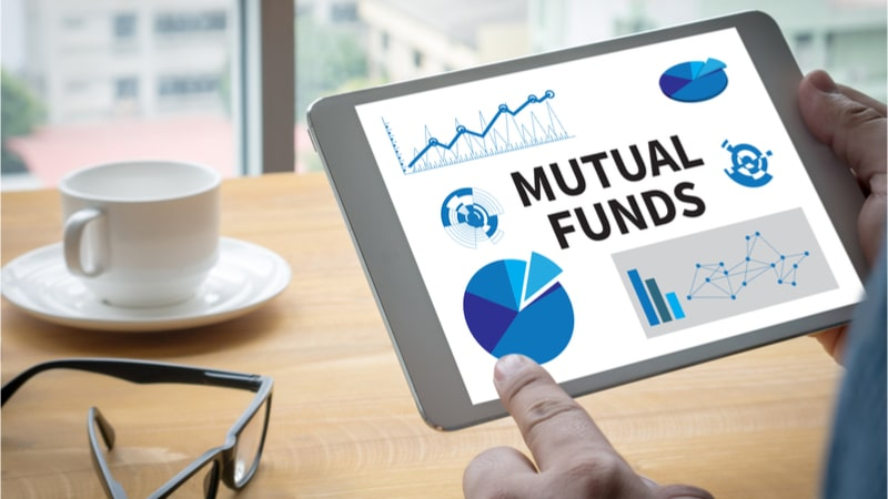Allocation of equity mutual funds in defensive sectors saw a new high in April