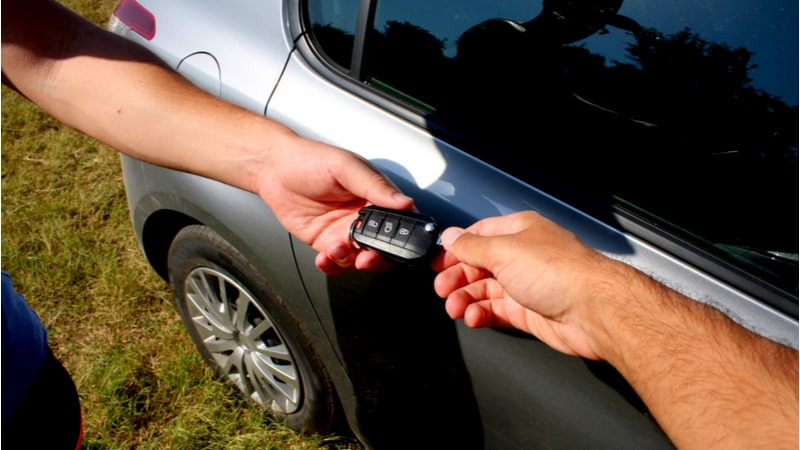 5 Things you need to know about transferring car ownership
