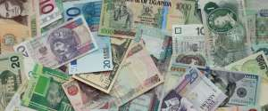 Foreign currency options to consider when vacationing abroad
